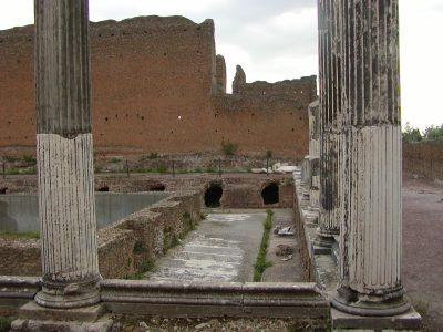 Hadrian's Villa - 2002-09-08-180358