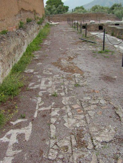 Hadrian's Villa - 2002-09-08-180647