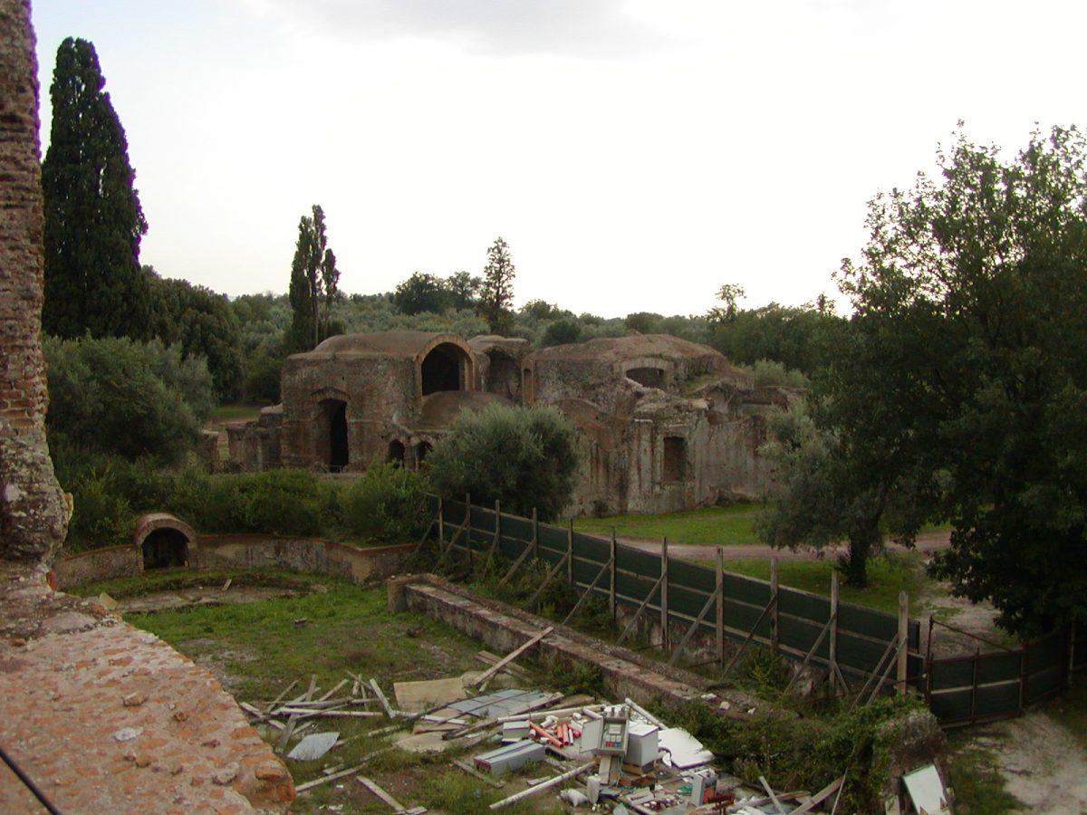 Hadrian's Villa - 2002-09-08-181054