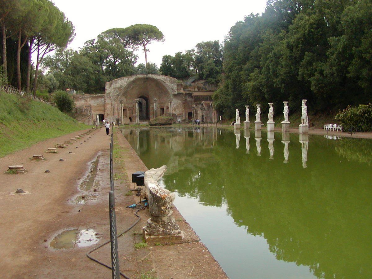 Hadrian's Villa - 2002-09-08-181800
