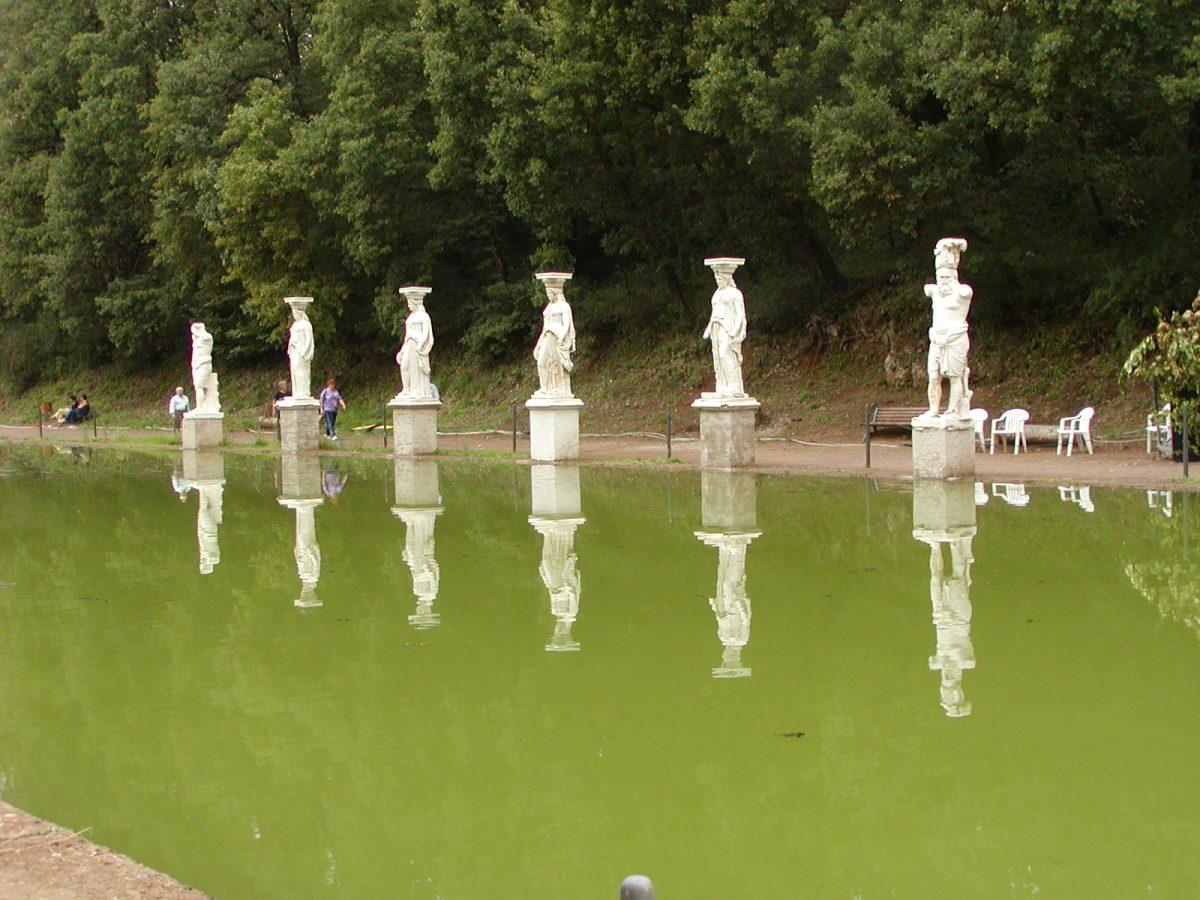 Hadrian's Villa - 2002-09-08-181852