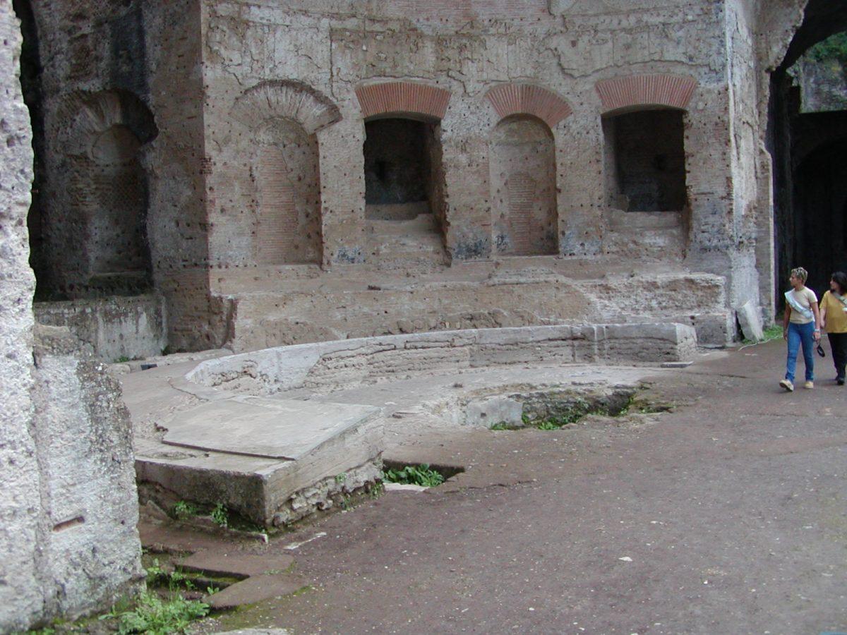 Hadrian's Villa - 2002-09-08-182557