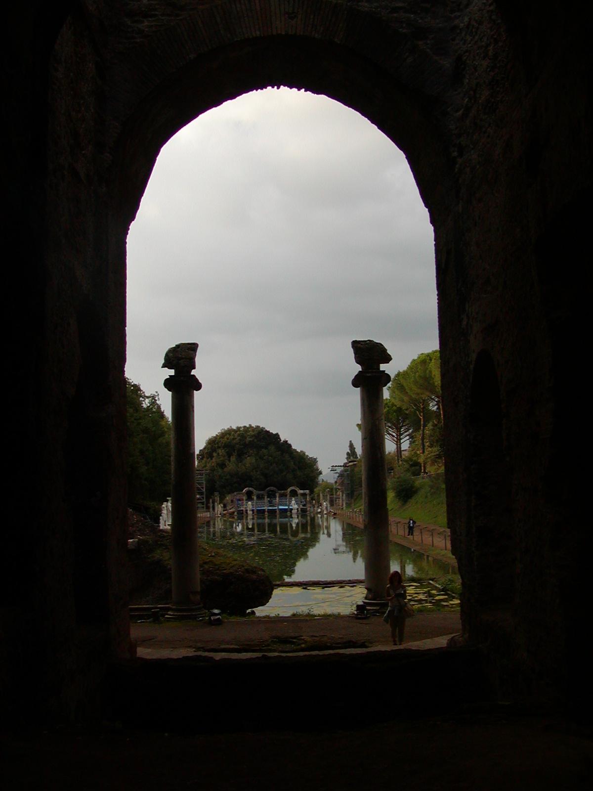 Hadrian's Villa - 2002-09-08-182706