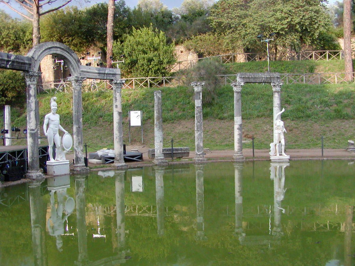 Hadrian's Villa - 2002-09-08-183322