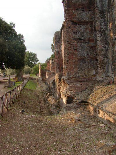Hadrian's Villa - 2002-09-08-183446