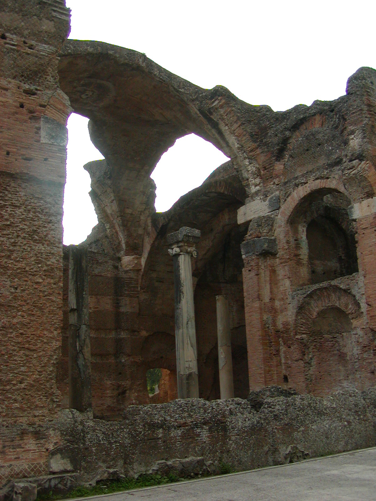 Hadrian's Villa - 2002-09-08-183707