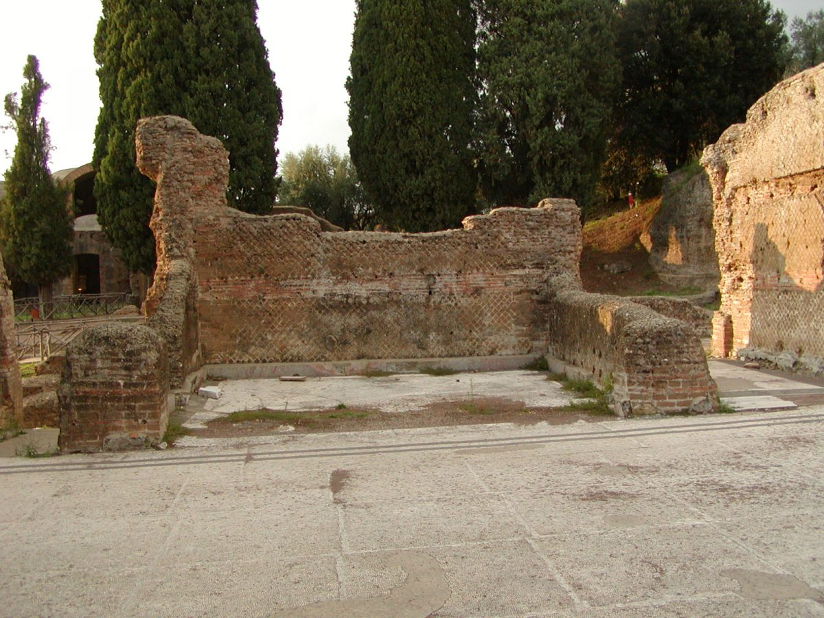 Hadrian's Villa - 2002-09-08-184017
