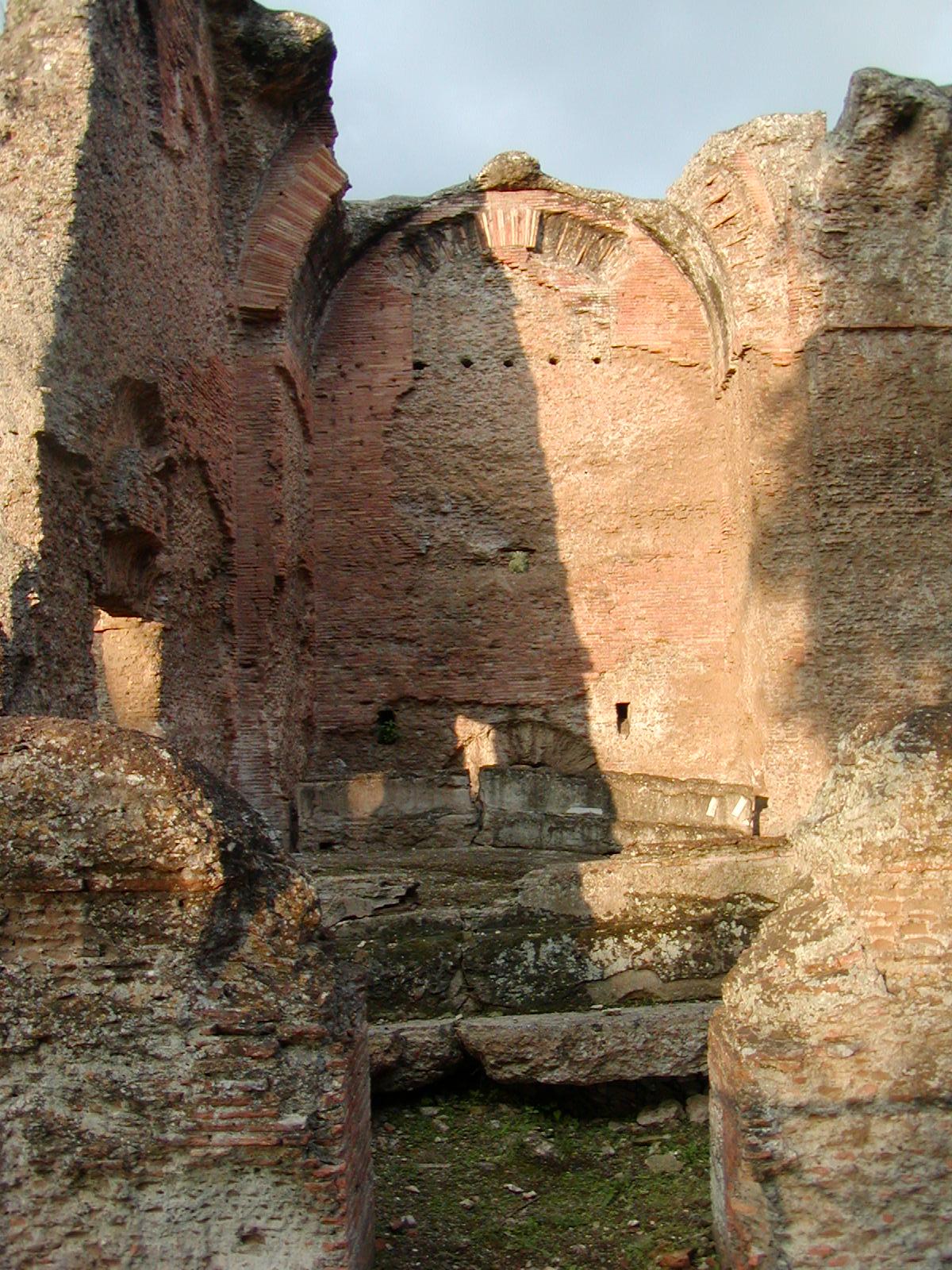 Hadrian's Villa - 2002-09-08-184209