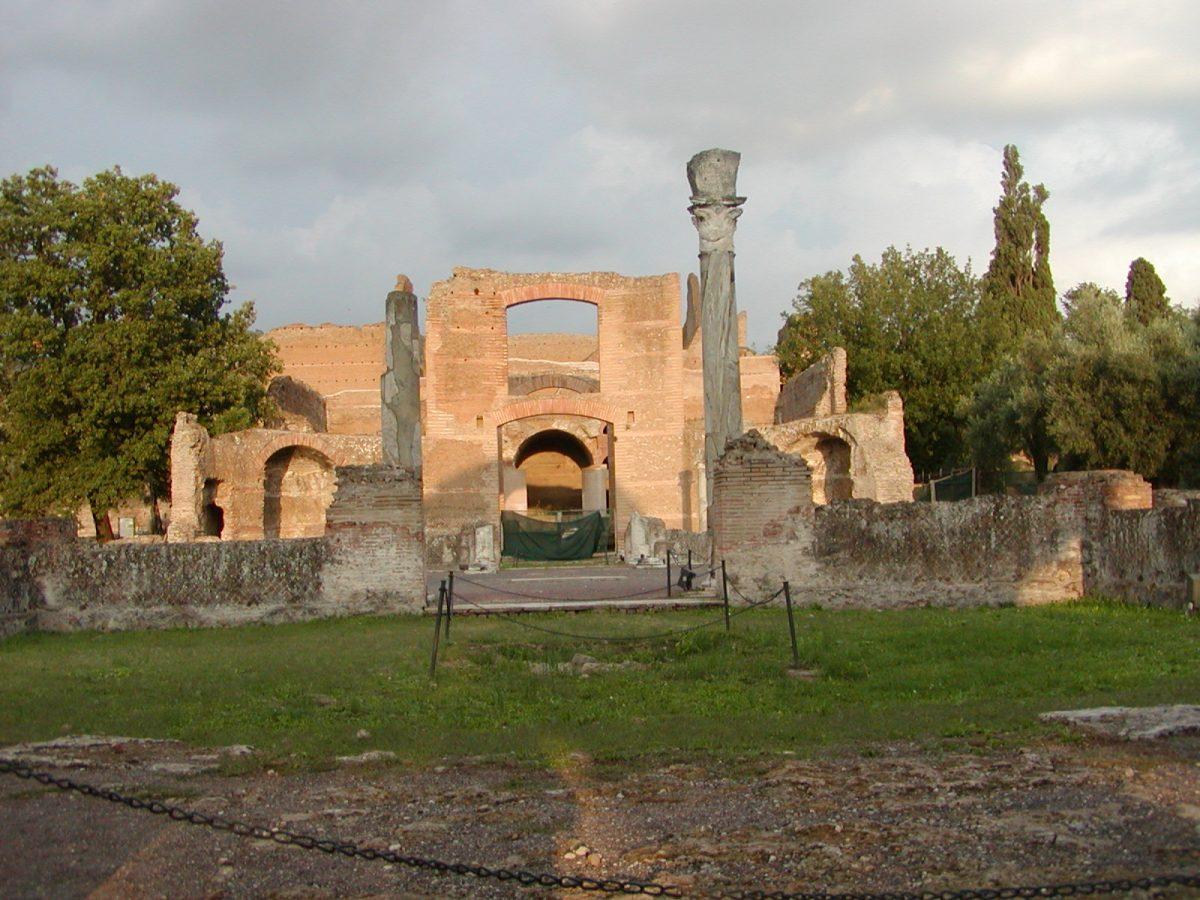 Hadrian's Villa - 2002-09-08-184536