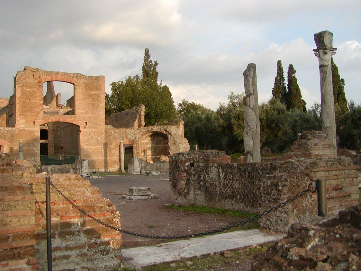 Hadrian's Villa - 2002-09-08-184550
