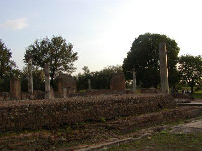 Hadrian's Villa - 2002-09-08-184625