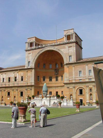 Cortile della Pigna - 2002-09-10-132118