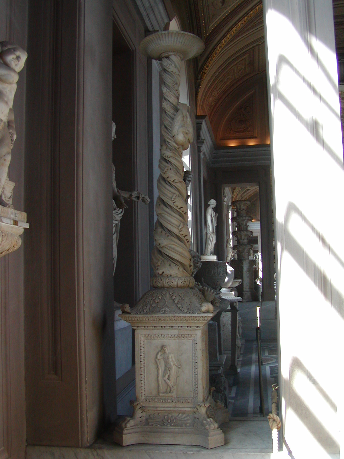 Gallery of the Candelabra - 2002-09-10-150632