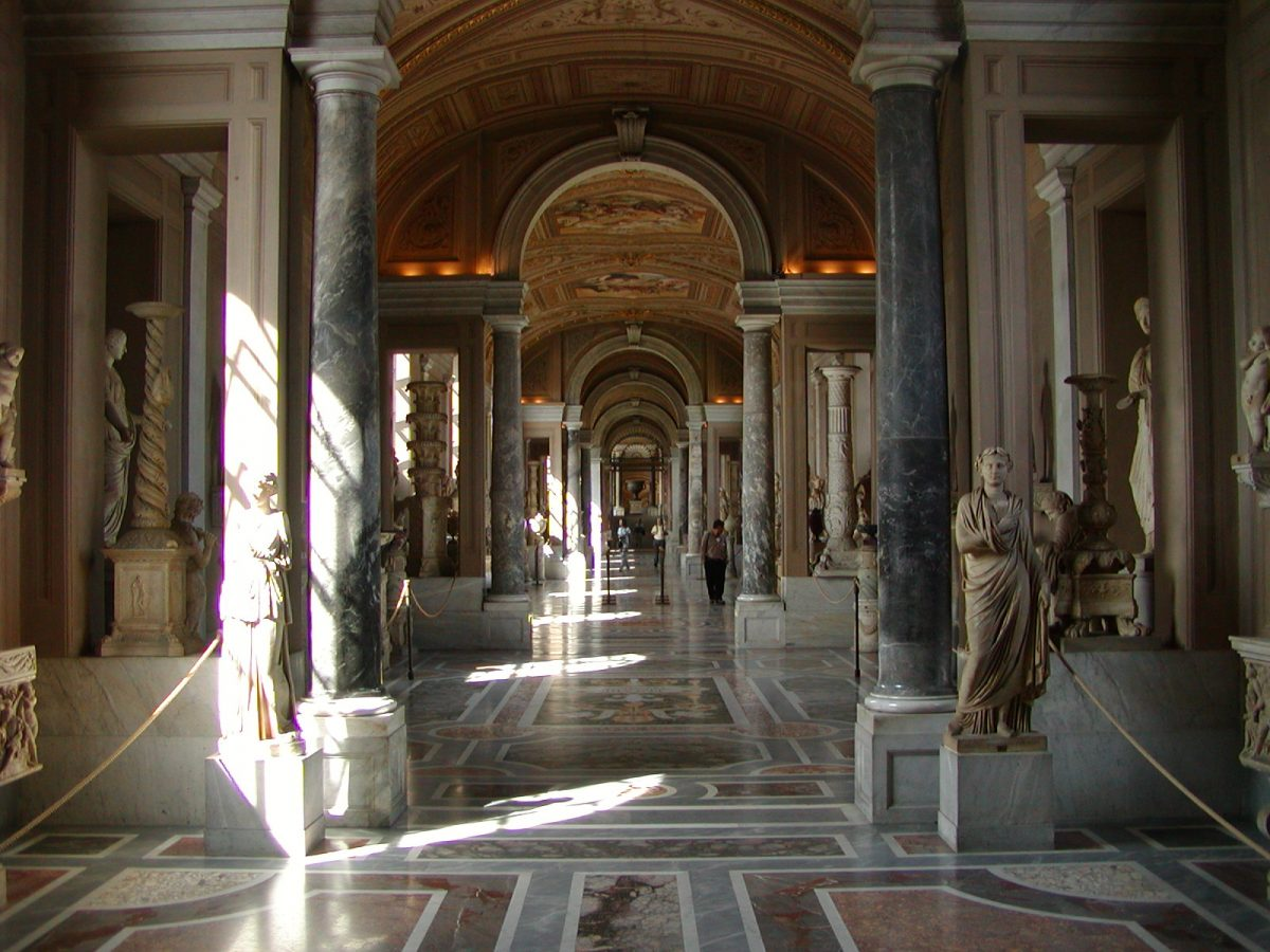 Gallery of the Candelabra - 2002-09-10-150920