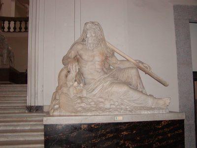 Museo Archeologico Nazionale - 2002-09-13-093825