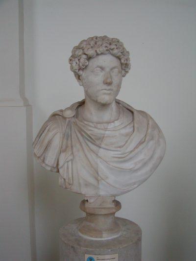 Museo Archeologico Nazionale - 2002-09-13-094126