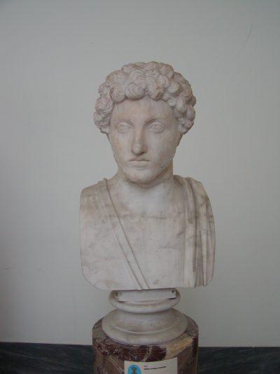 Museo Archeologico Nazionale - 2002-09-13-094140