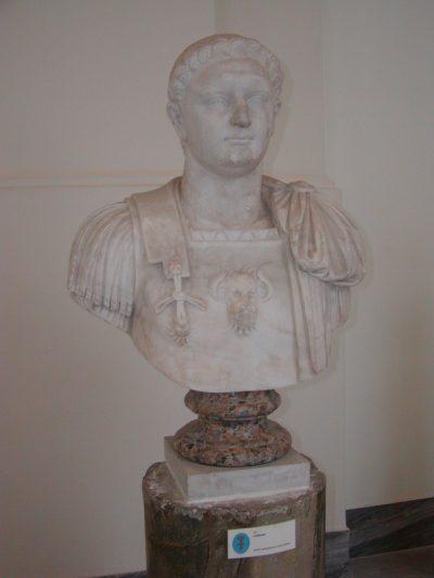 Museo Archeologico Nazionale - 2002-09-13-094315
