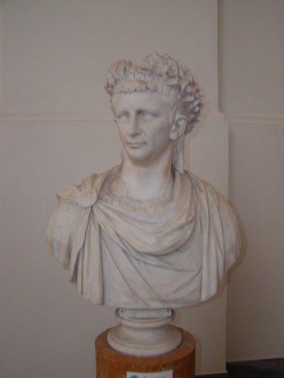 Museo Archeologico Nazionale - 2002-09-13-094437