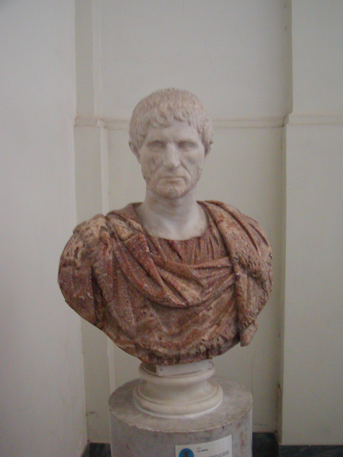 Museo Archeologico Nazionale - 2002-09-13-094522