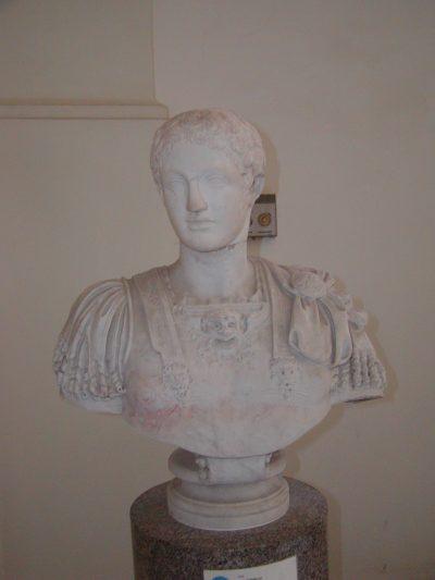 Museo Archeologico Nazionale - 2002-09-13-103411