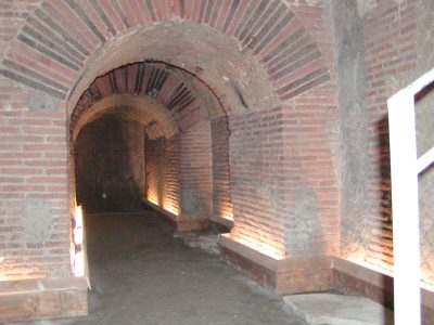 Subterranean Naples - 2002-09-13-173403