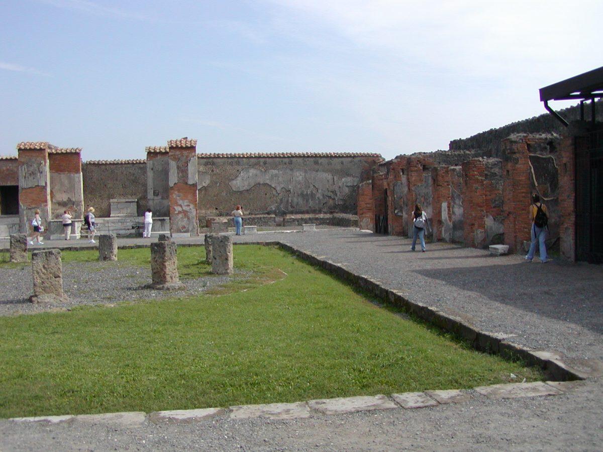Pompeii - 2002-09-14-122657