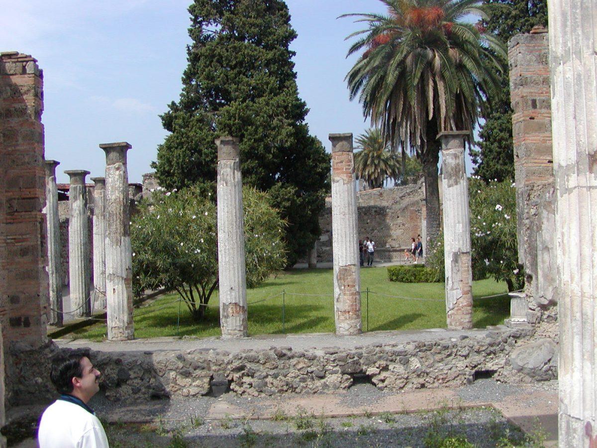 Pompeii - 2002-09-14-132230