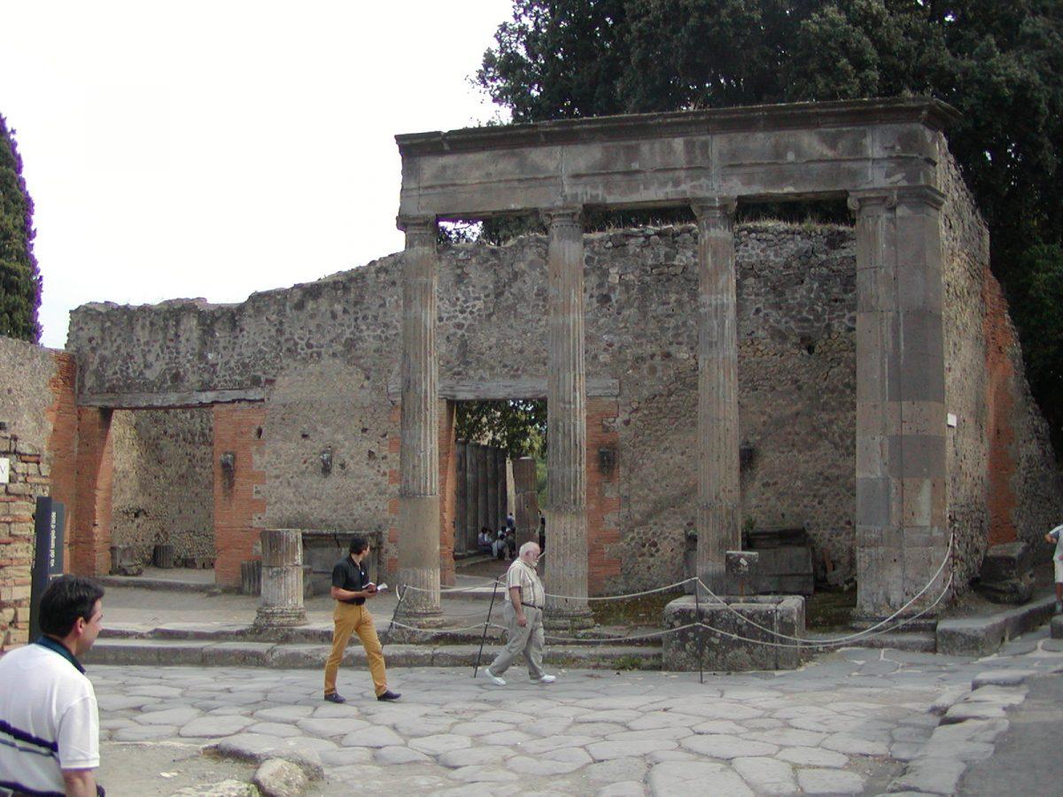 Pompeii - 2002-09-14-144423