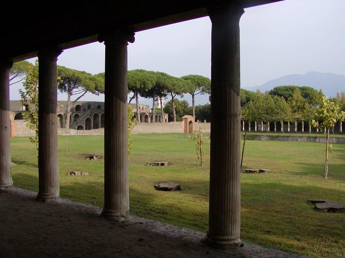 Pompeii - 2002-09-14-163328