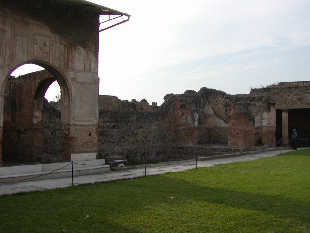 Pompeii - 2002-09-14-172801