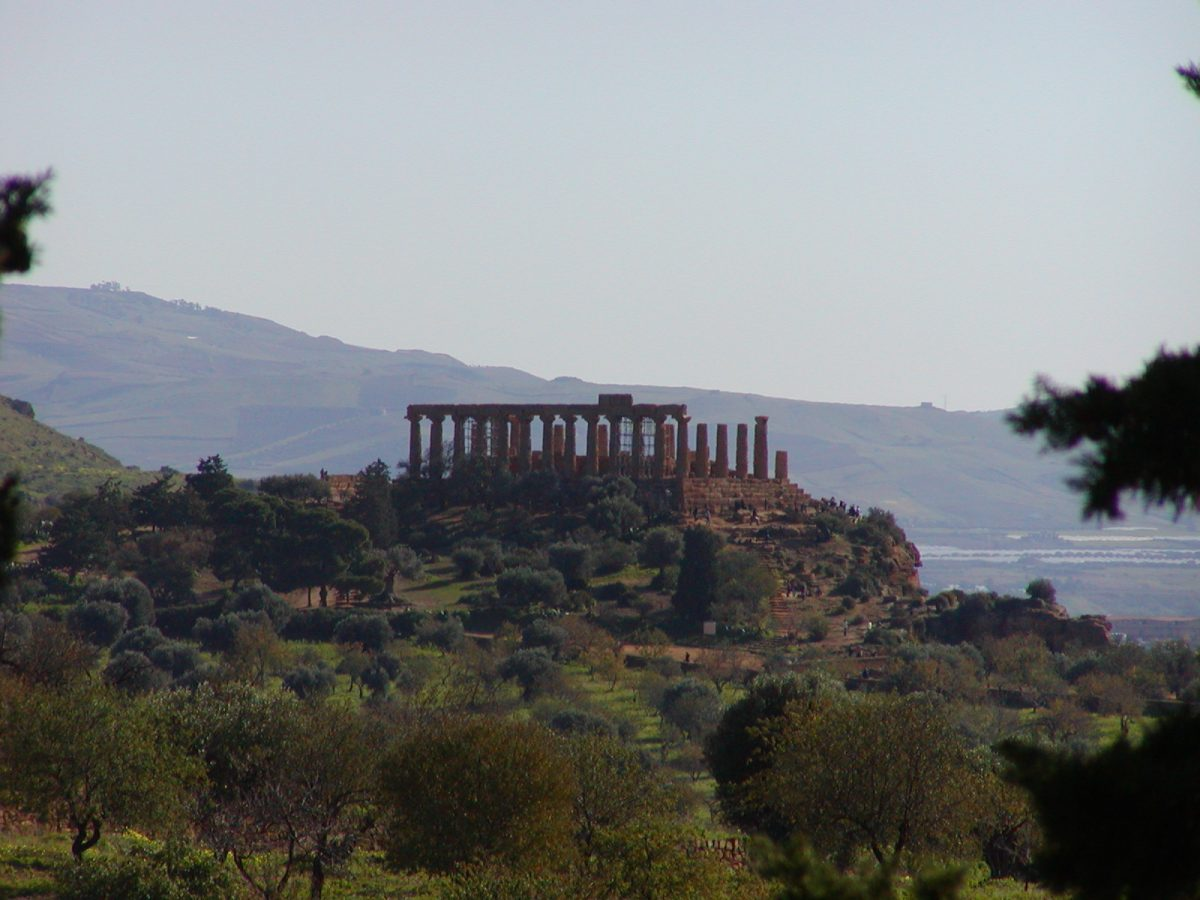 Valley of the Temples - 2003-12-27-121013