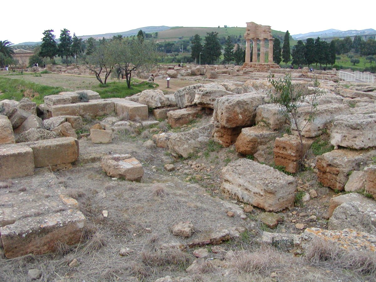 Valley of the Temples - 2003-12-27-151957