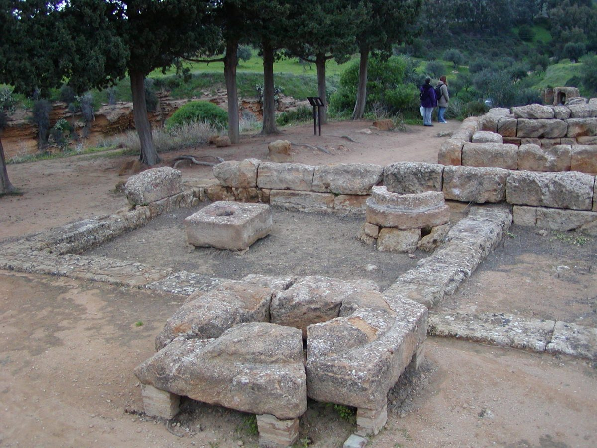 Valley of the Temples - 2003-12-27-155315