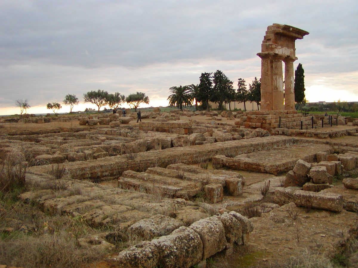 Valley of the Temples - 2003-12-27-155654