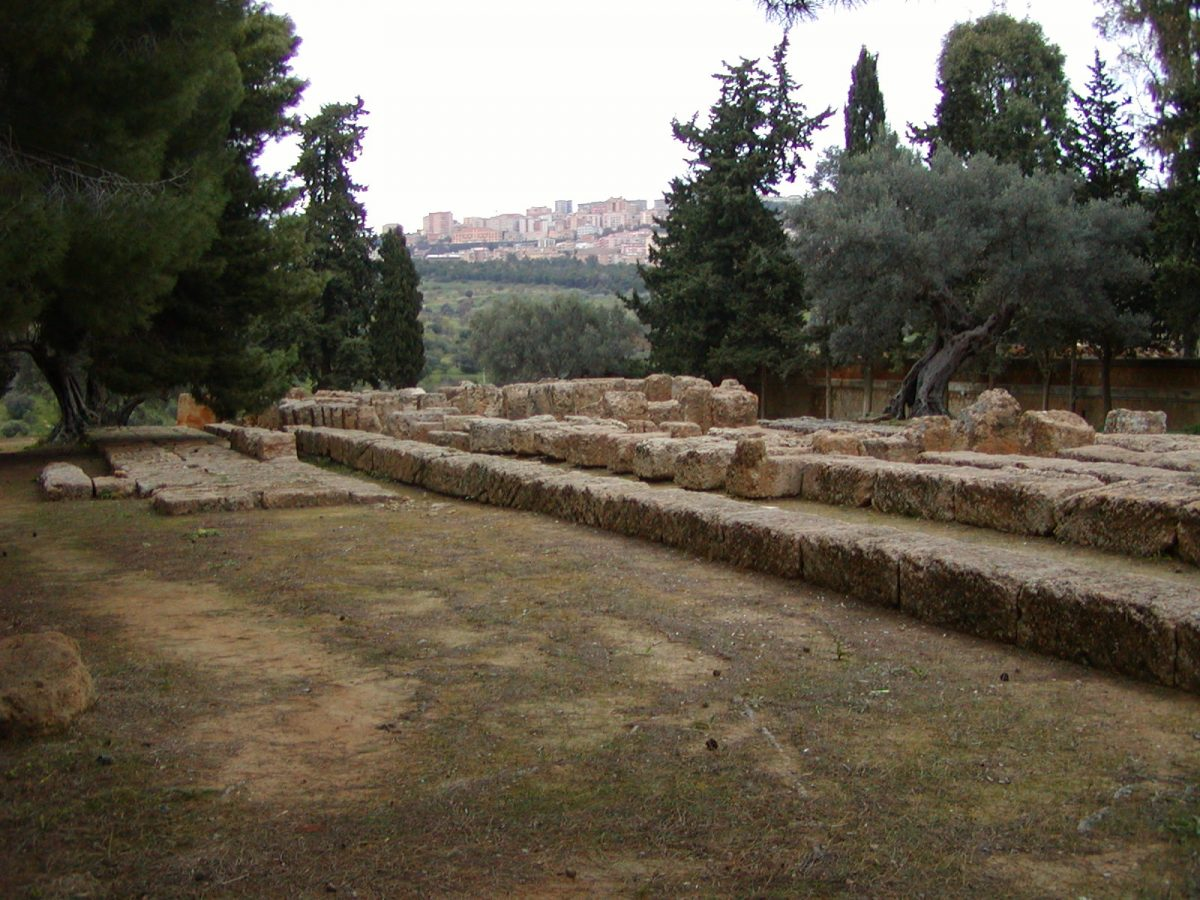 Valley of the Temples - 2003-12-27-160927