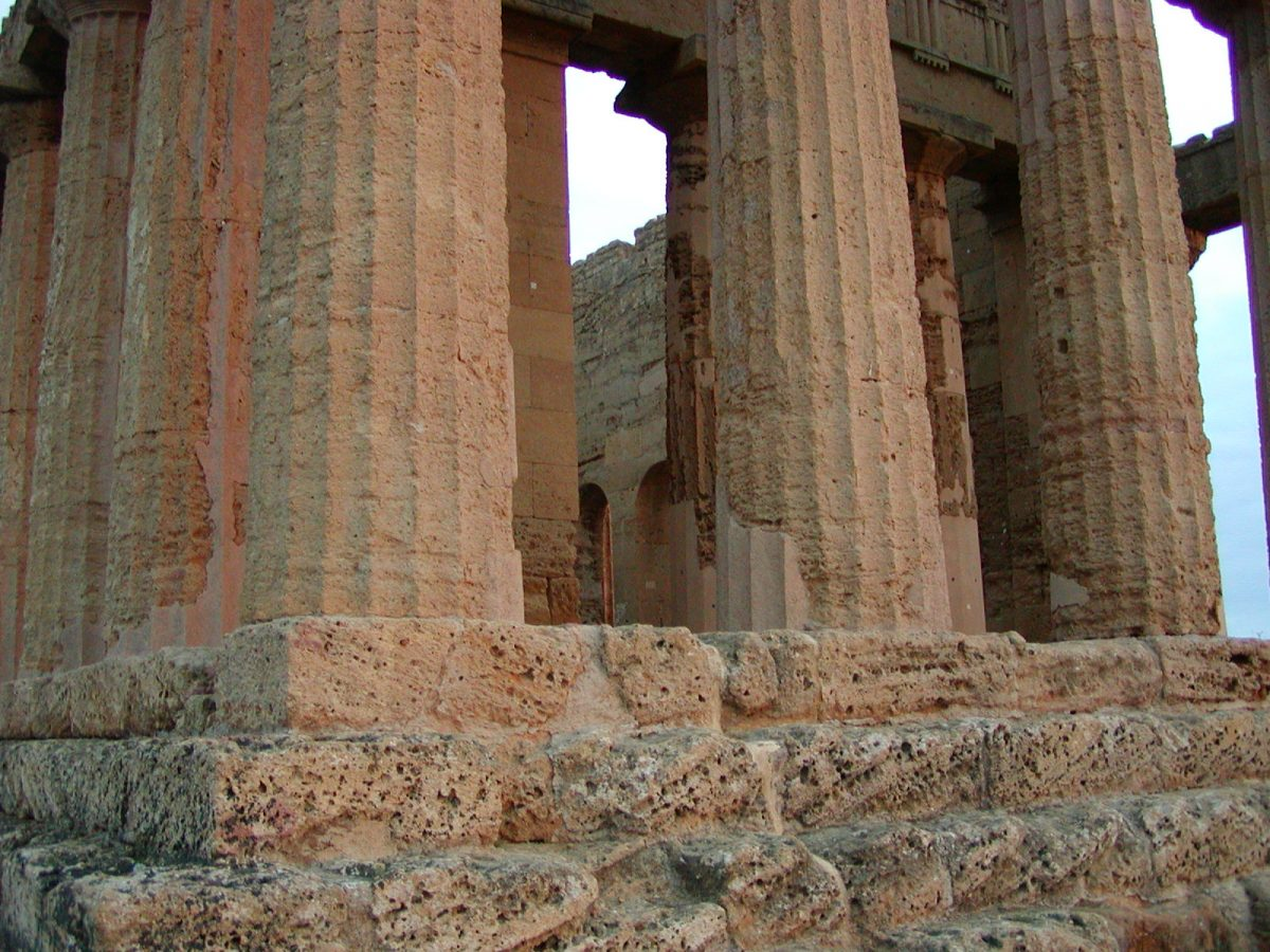 Valley of the Temples - 2003-12-27-163951