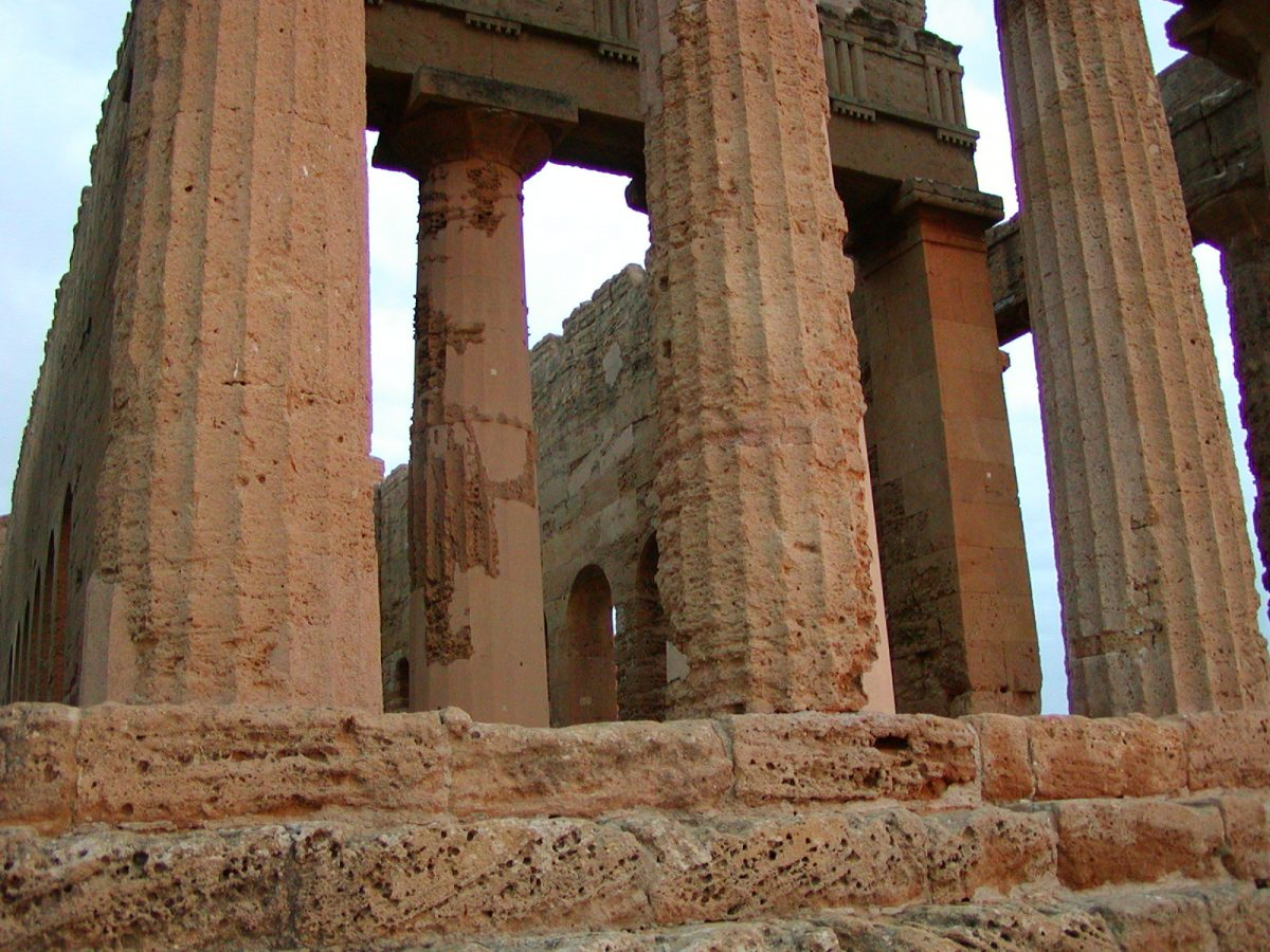 Valley of the Temples - 2003-12-27-164032
