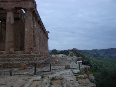 Valley of the Temples - 2003-12-27-165907
