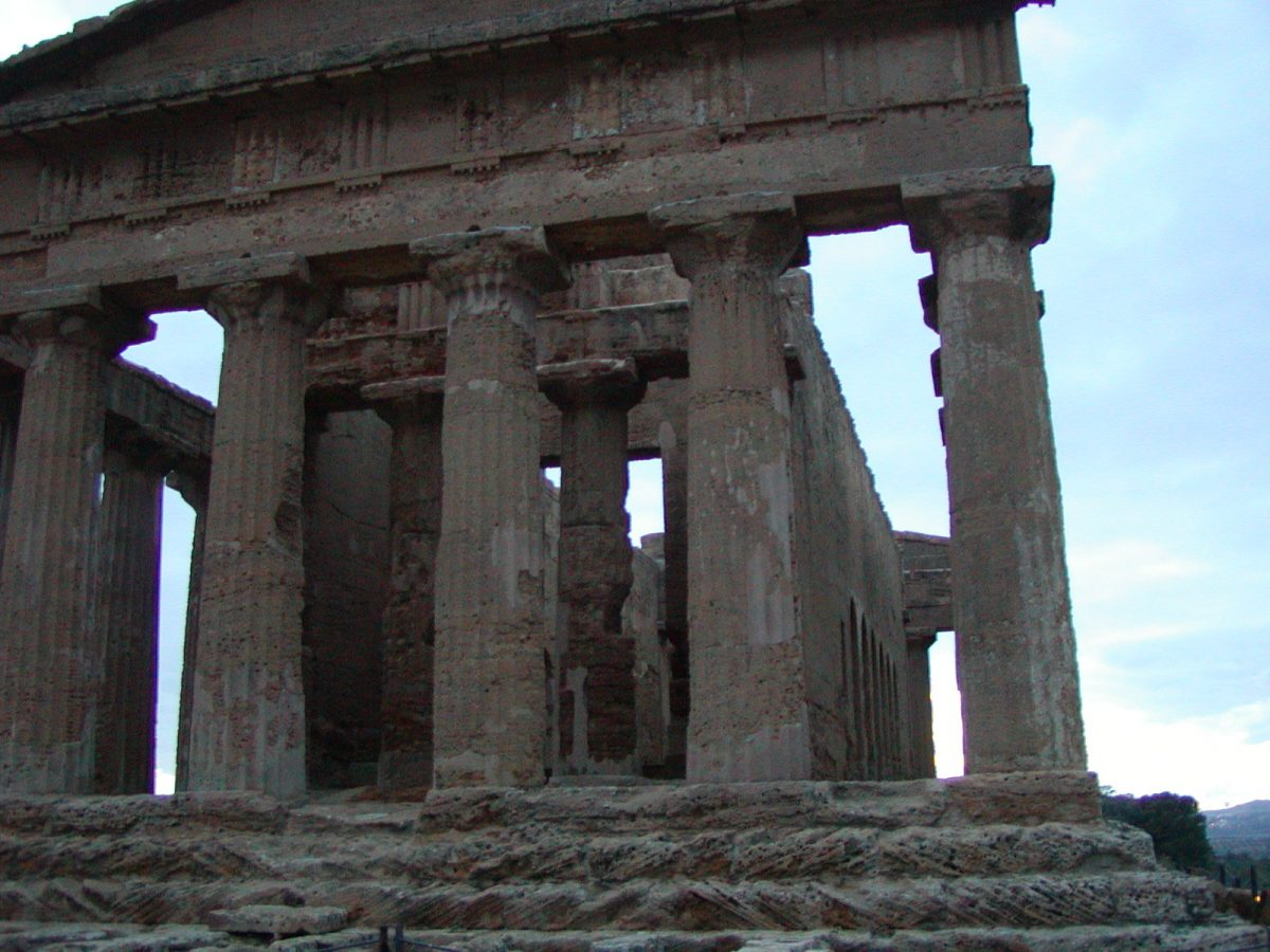 Valley of the Temples - 2003-12-27-170425