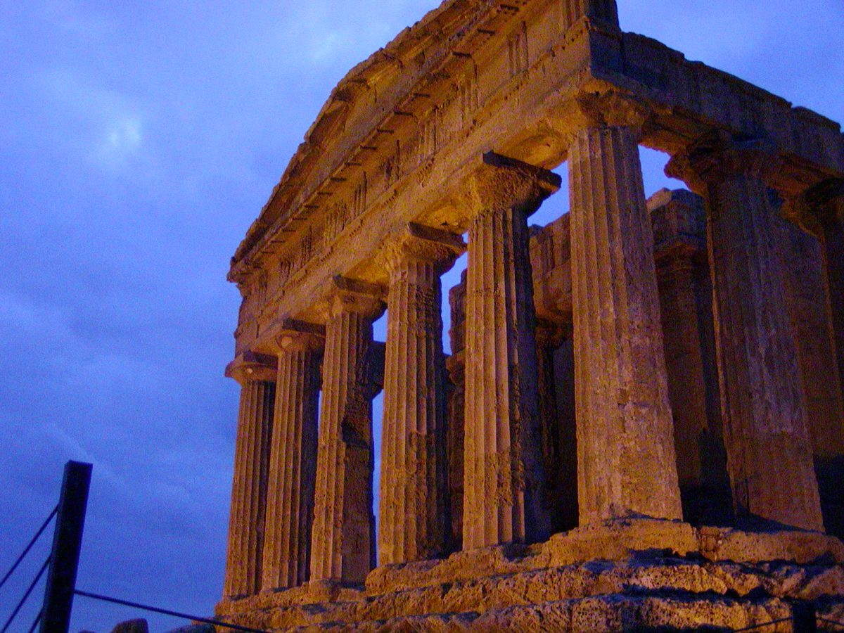 Valley of the Temples - 2003-12-27-171202