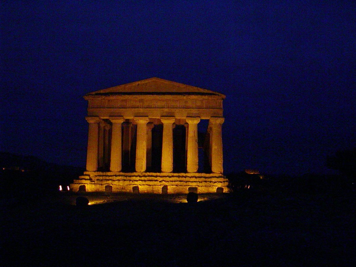 Valley of the Temples - 2003-12-27-172044