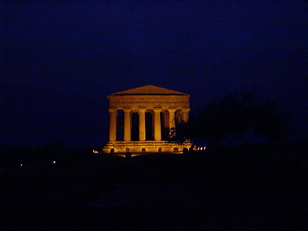 Valley of the Temples - 2003-12-27-172154
