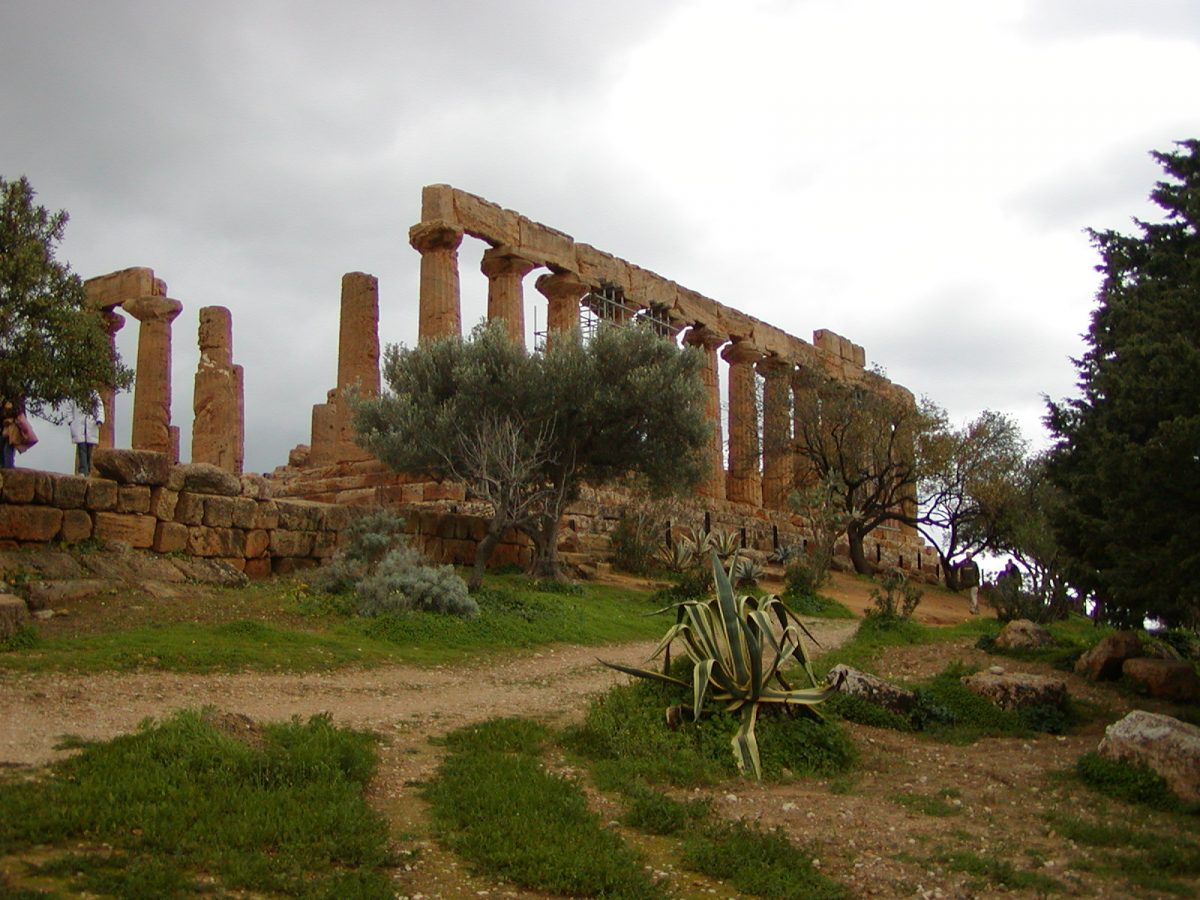 Valley of the Temples - 2003-12-28-113019