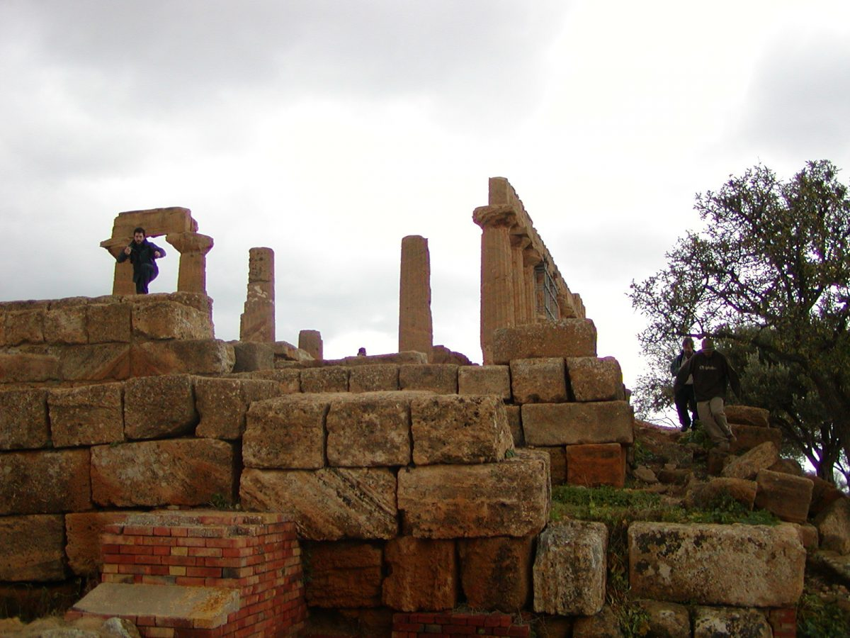 Valley of the Temples - 2003-12-28-113252