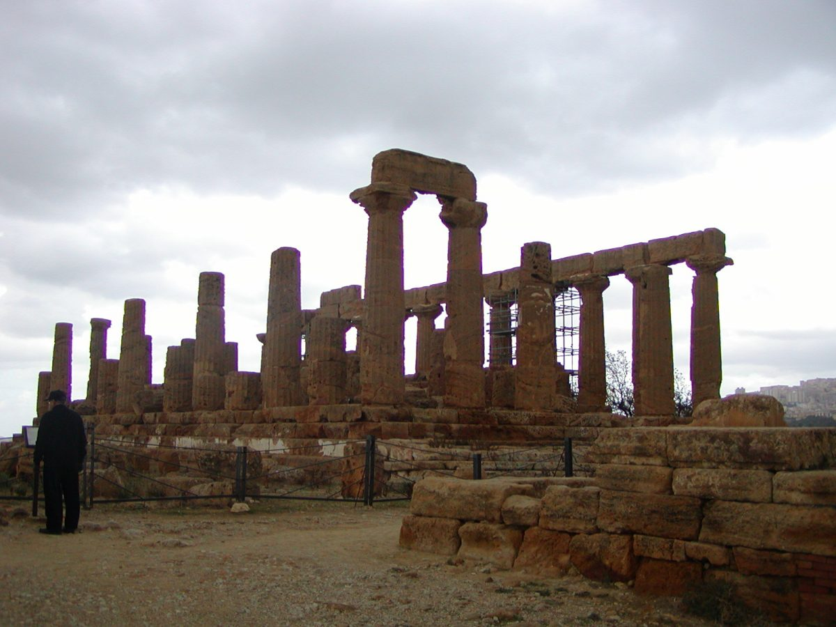 Valley of the Temples - 2003-12-28-113439