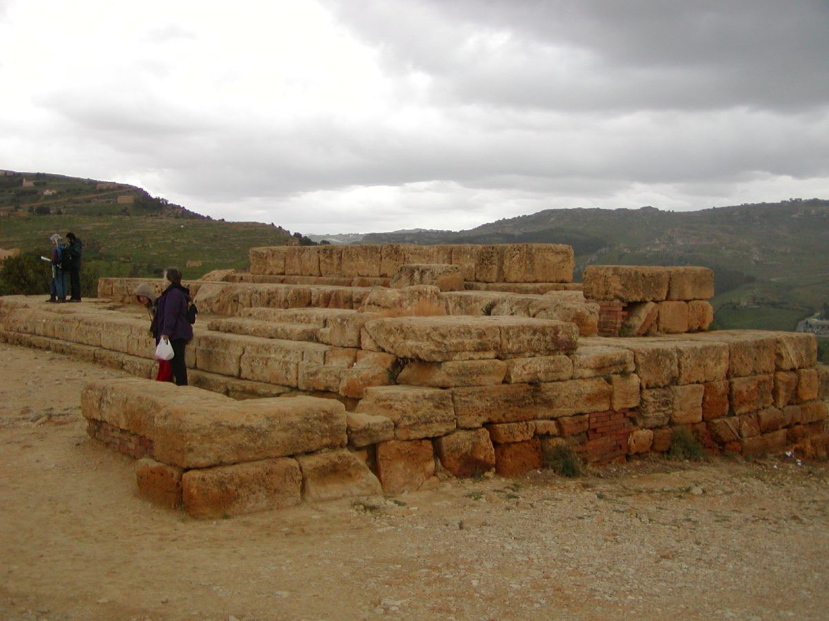 Valley of the Temples - 2003-12-28-113609