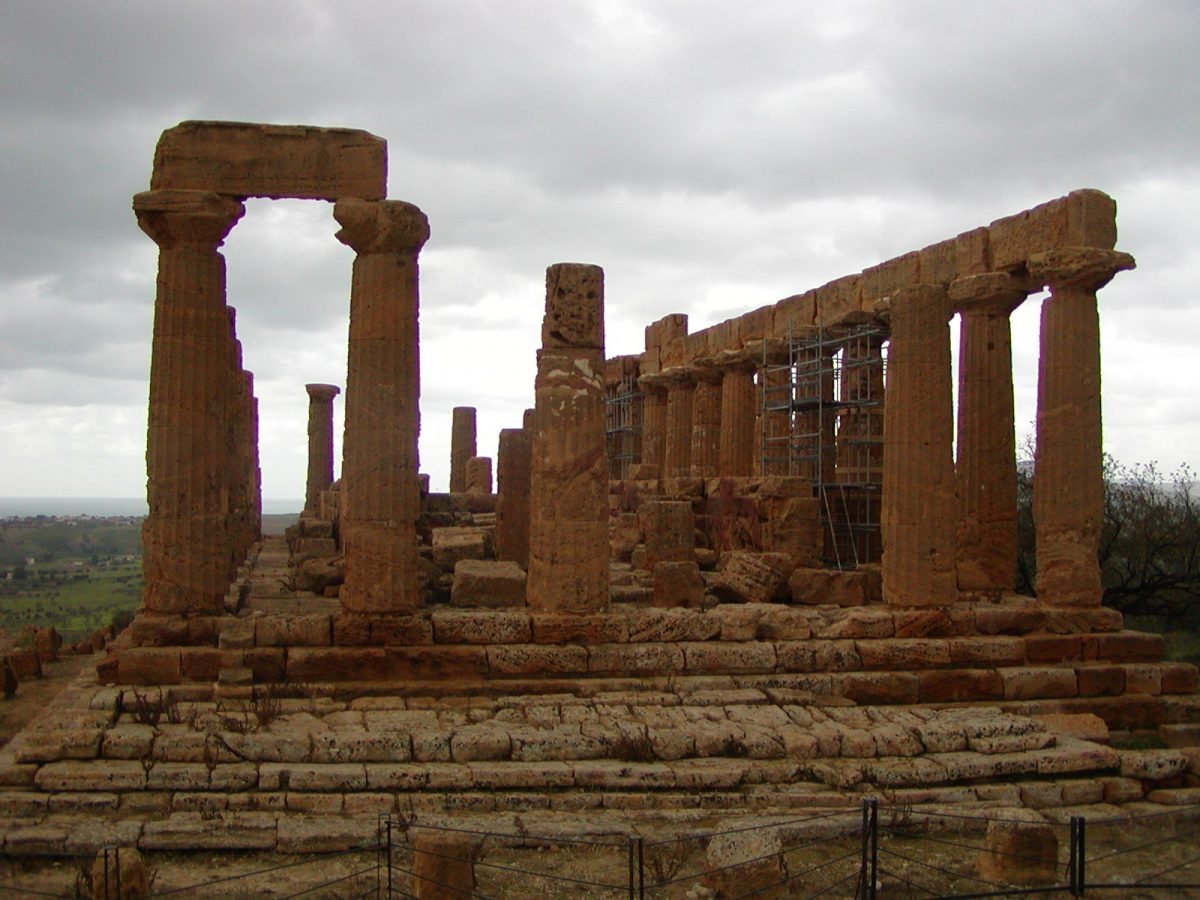 Valley of the Temples - 2003-12-28-113731