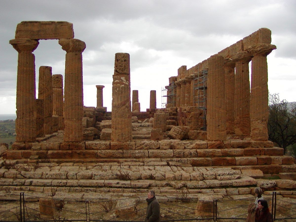Valley of the Temples - 2003-12-28-113756
