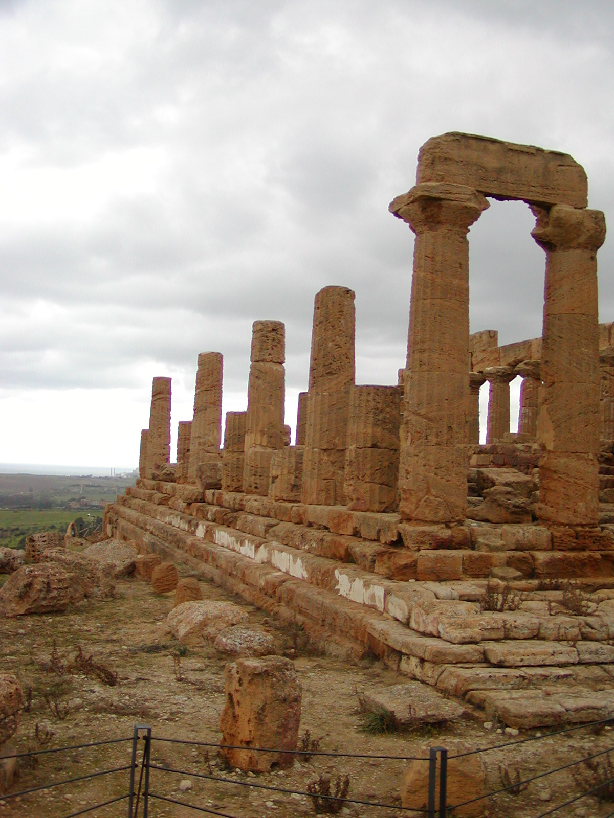 Valley of the Temples - 2003-12-28-114709